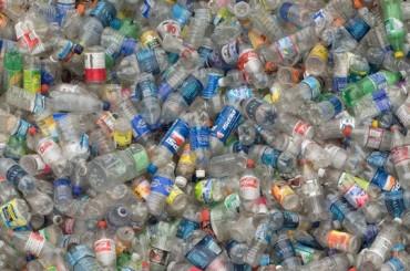 bouteilles-plastique-415606.jpg