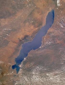 Lake_Malawi_seen_from_orbit.jpg