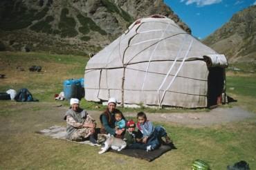 kirghiz yourte.jpg